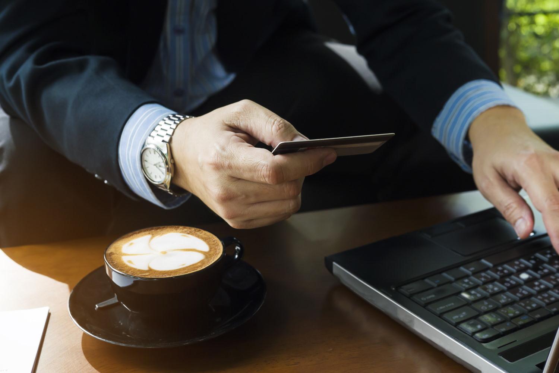 Profesjonalny i funkcjonalny laptop w dobrej cenie? Jak najbardziej jest to możliwe.